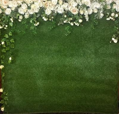 flower-wall-with-grass-backing