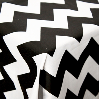 tablecloth-chevron-large-black