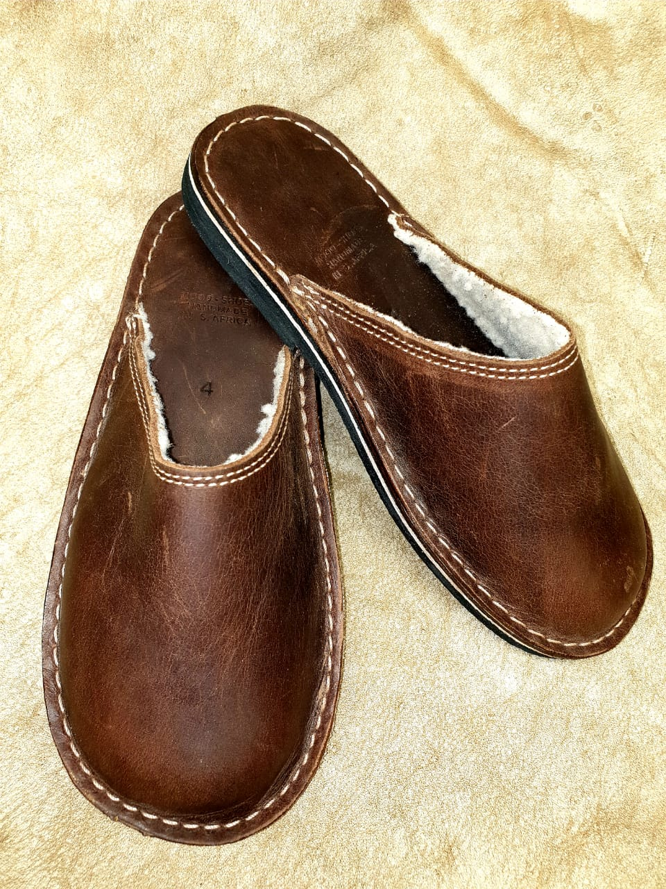 l28a--bed-slipperbrown-or-black